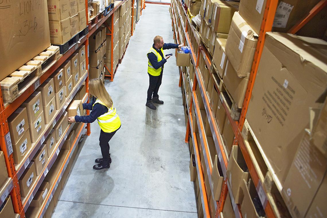 Laat het stroomlijnen en verhoog de verkoop met geautomatiseerde goederenaanvulling